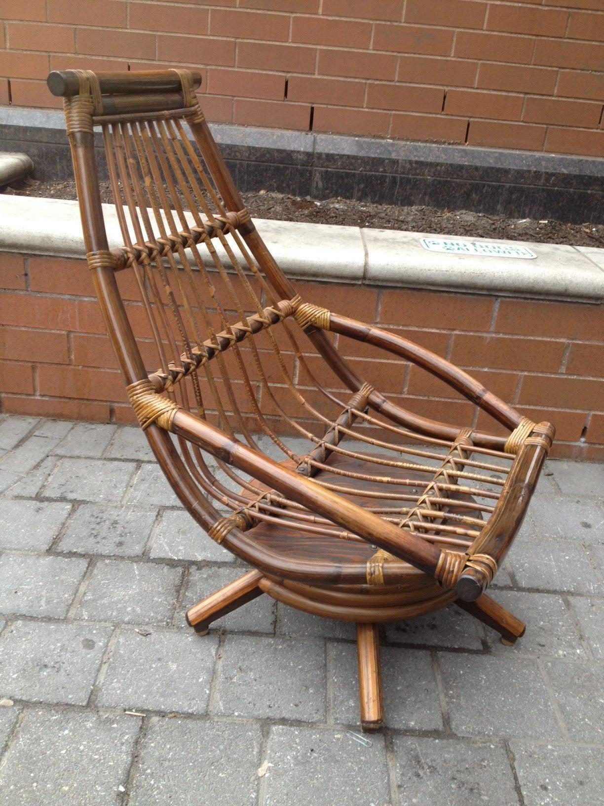 Vintage rattan rocking chair - Pair Of Vintage Rattan Swivel Lounge Chairs 2