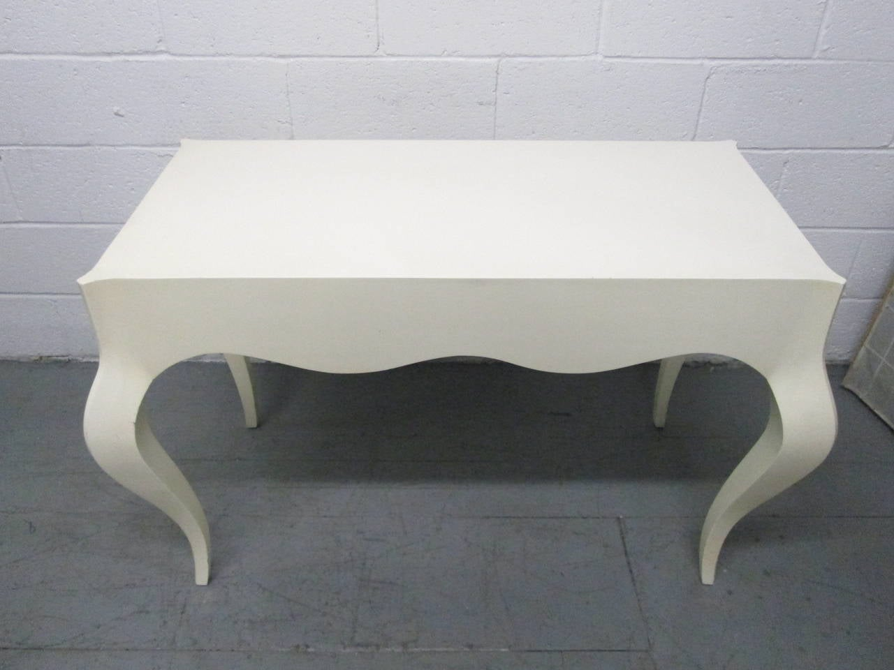 Custom Painted Grosfeld House Style Table In Good Condition For Sale In New York, NY