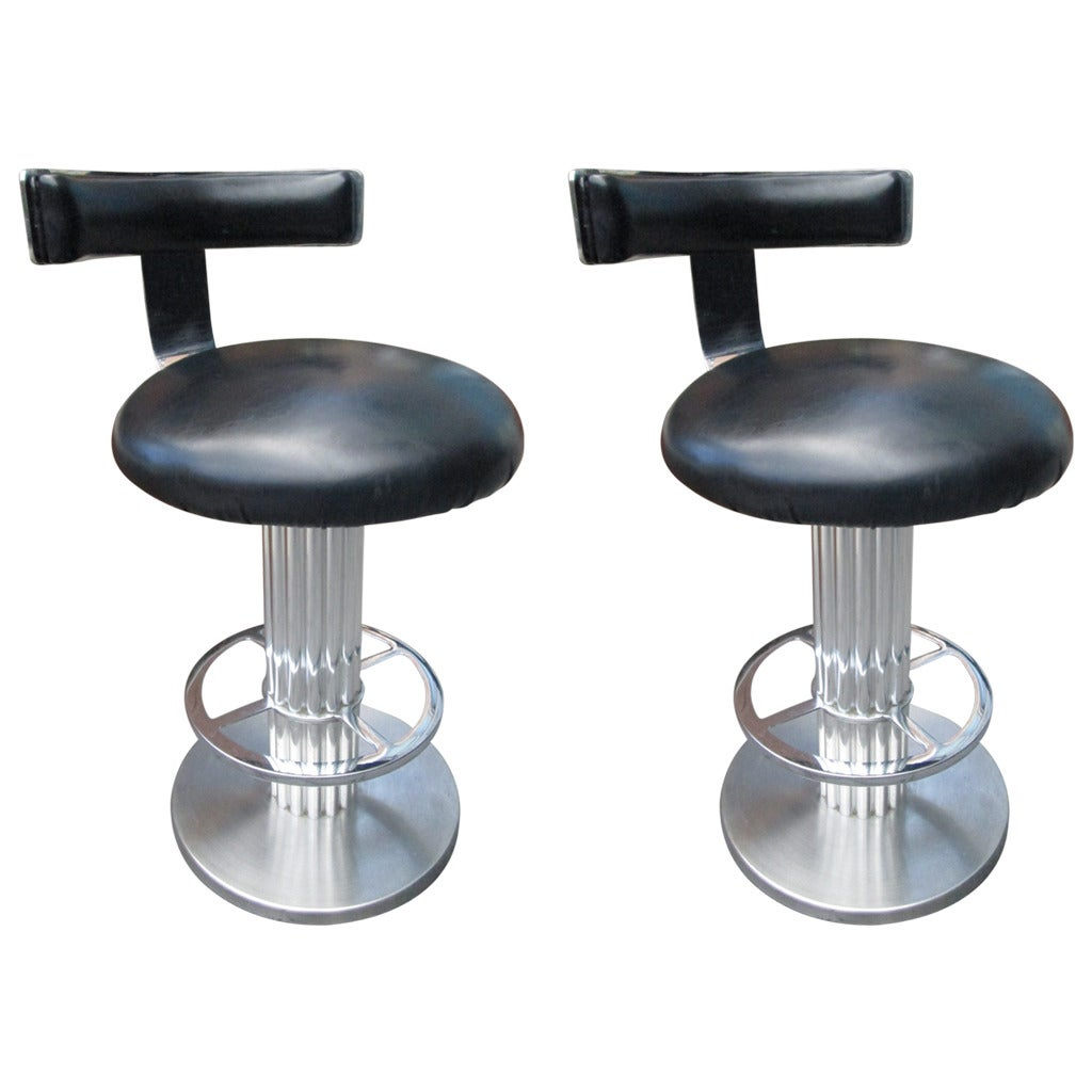 Pair Of Swivel Bar Stools By Designs For Leisure At 1stdibs