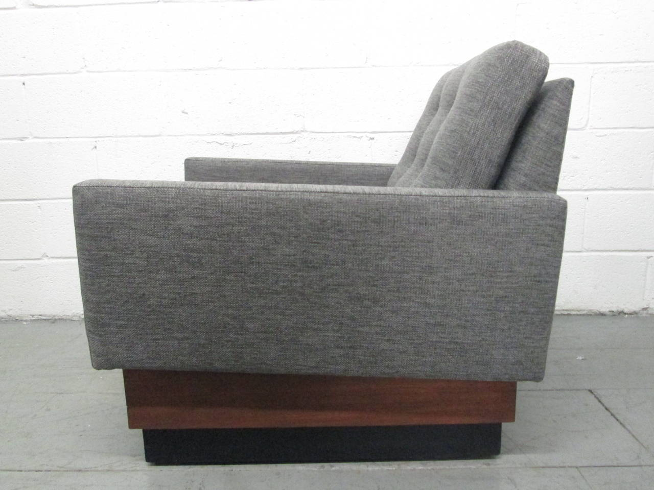 Pair of Lounge Chairs on Plinth Base 5