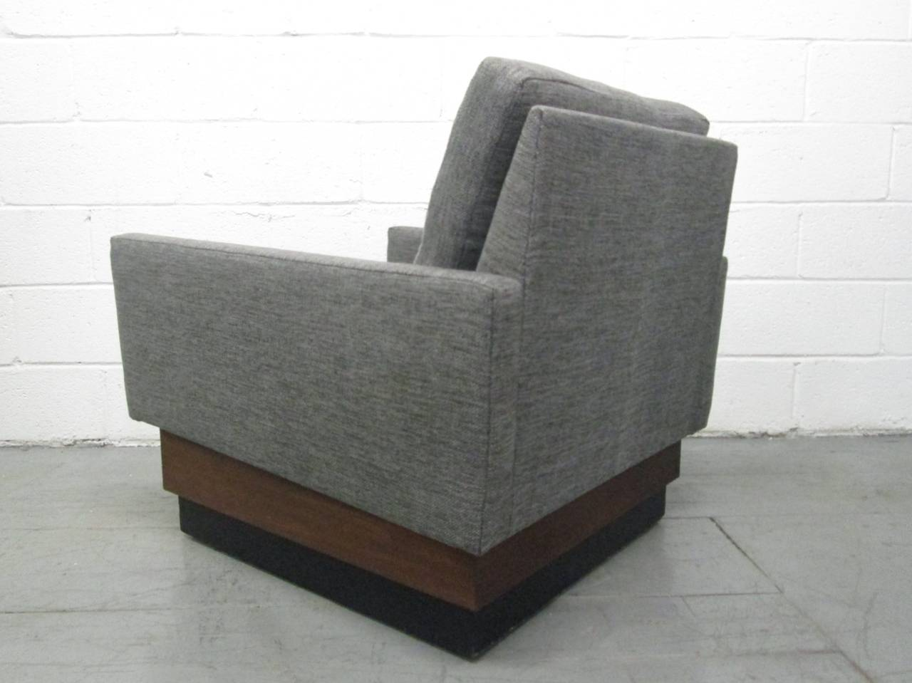 Pair of Lounge Chairs on Plinth Base 4