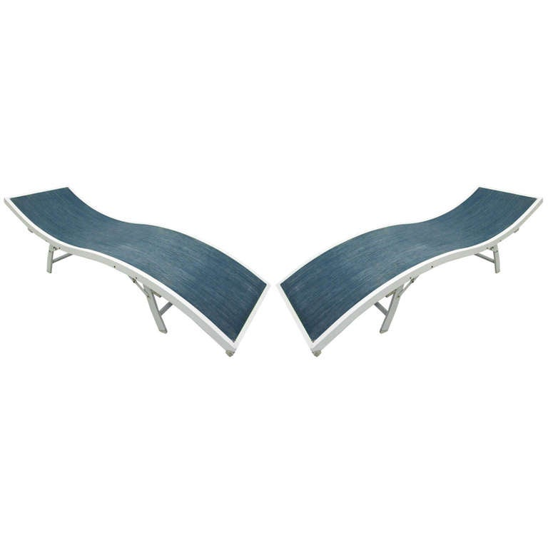 Pair of Wave Mesh Lounge Chairs For Sale at 1stdibs
