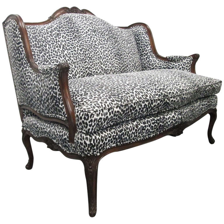 French antique style loveseat at 1stdibs Antique loveseat styles