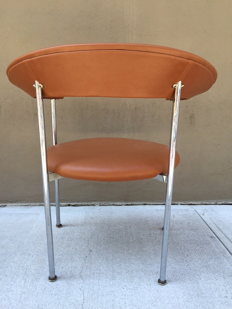 Mid-Century Modern Chrome Side Chair In Good Condition For Sale In New York, NY