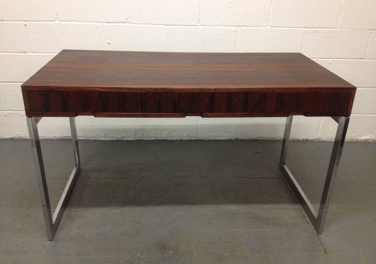Milo Baughman Style Rosewood and Chrome Desk In Good Condition For Sale In New York, NY