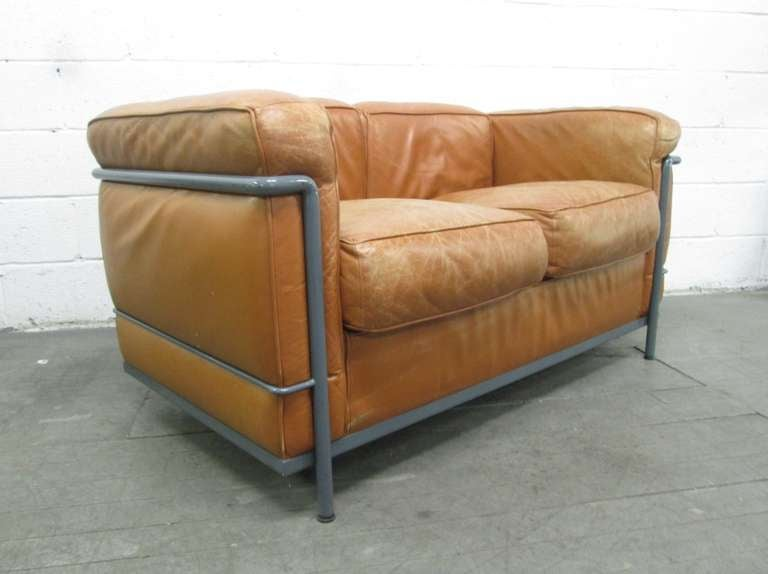 Lc2 le corbusier sofa for cassina at 1stdibs for Divan le corbusier