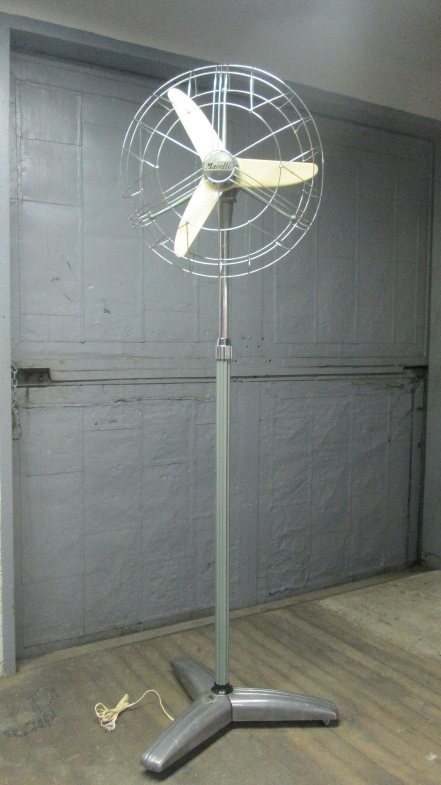 Rare vintage marelli floor fan fan has wheels for easy moving and is height adjustable