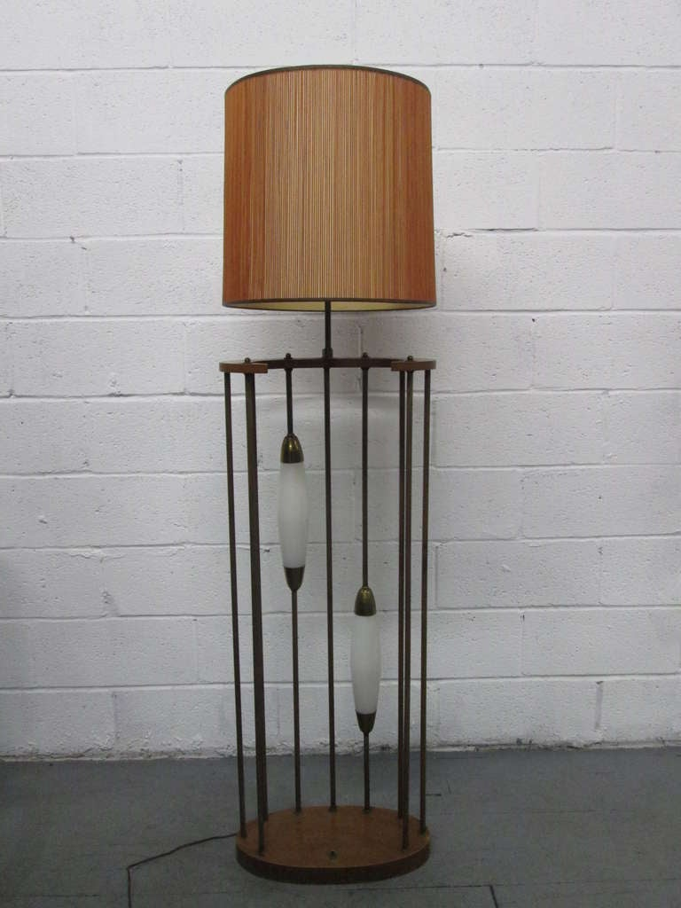 unique 1960s walnut and brass floor lamp for sale at 1stdibs. Black Bedroom Furniture Sets. Home Design Ideas