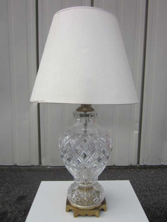 pair of cut crystal and brass lamps for sale at 1stdibs. Black Bedroom Furniture Sets. Home Design Ideas