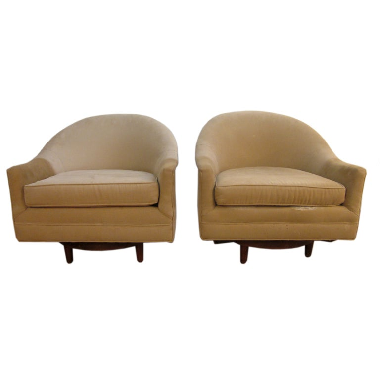 Pair swivel upholstered arm chairs at 1stdibs for Swivel accent chairs with arms