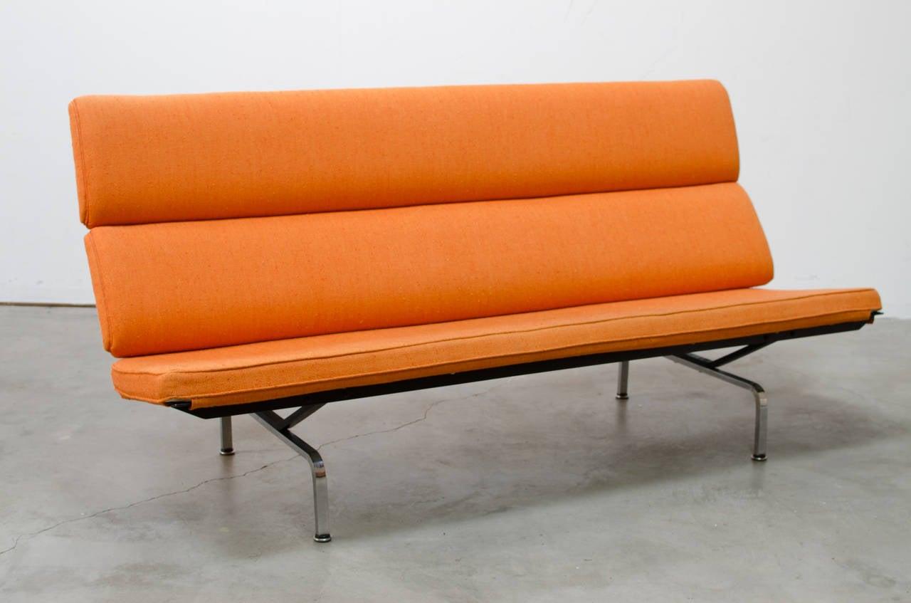 herman miller eames compact sofa. Black Bedroom Furniture Sets. Home Design Ideas