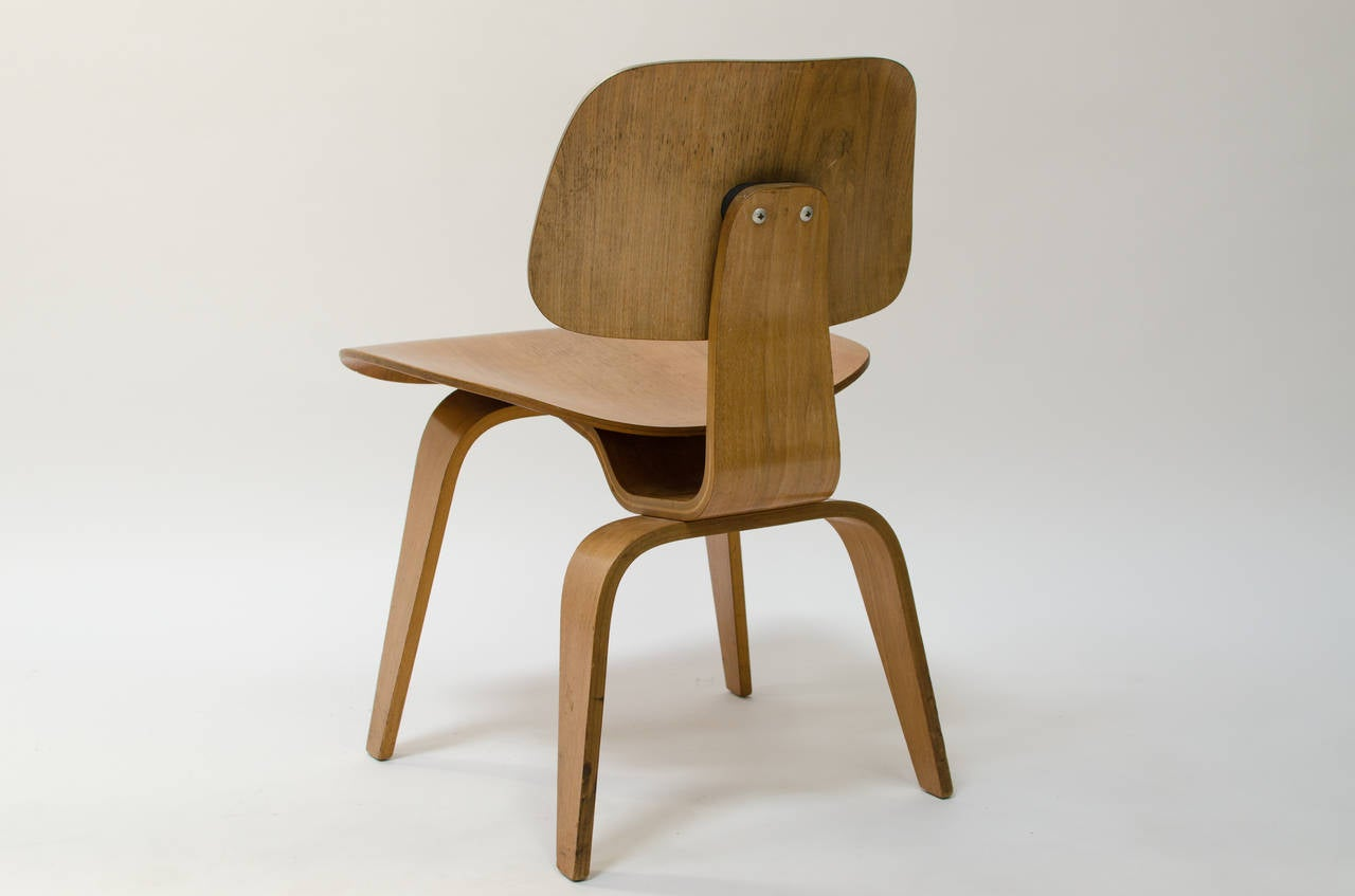 Charles Eames Ash DCW Plywood Chair At 1stdibs