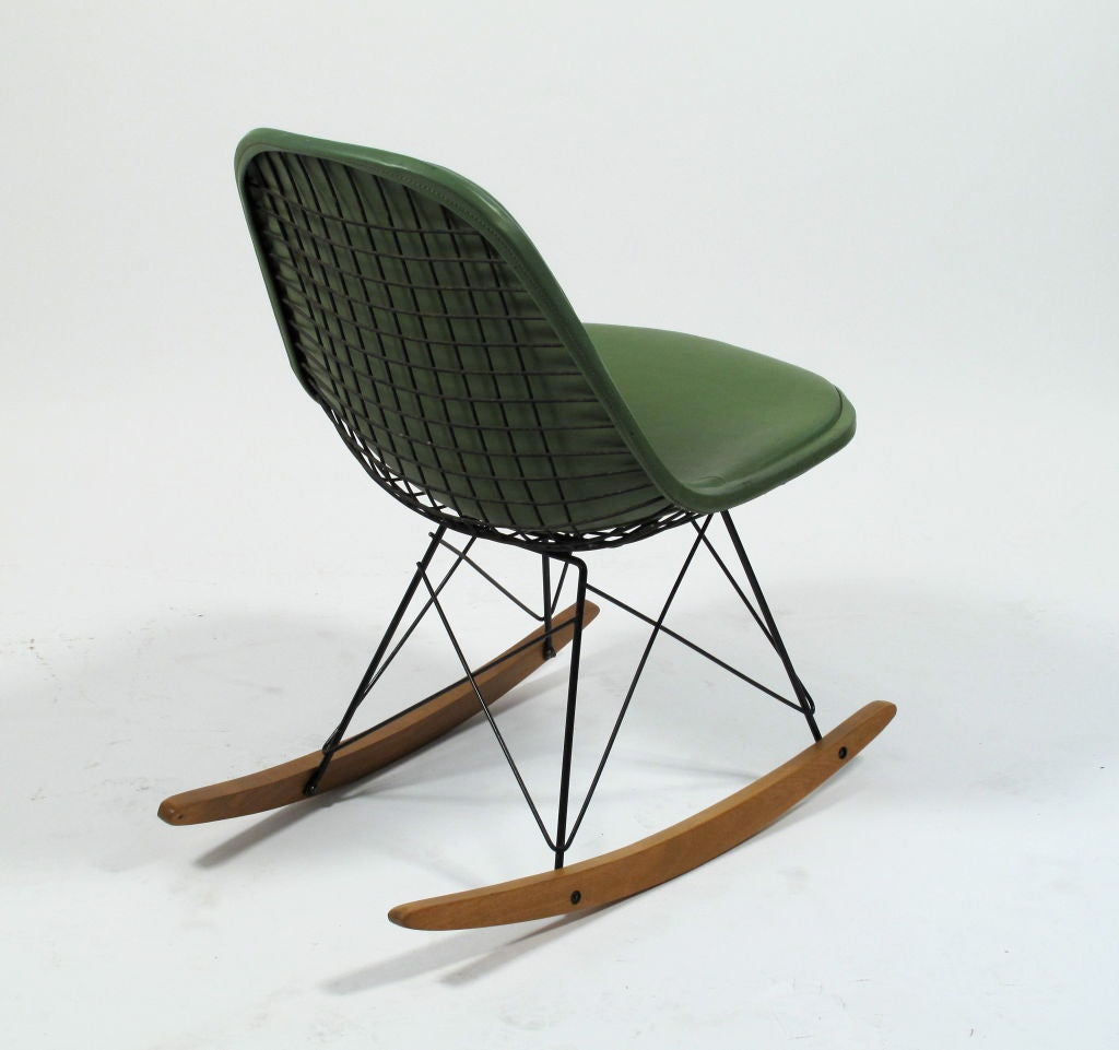 charles eames rkr 1 wire rocker herman miller at 1stdibs. Black Bedroom Furniture Sets. Home Design Ideas