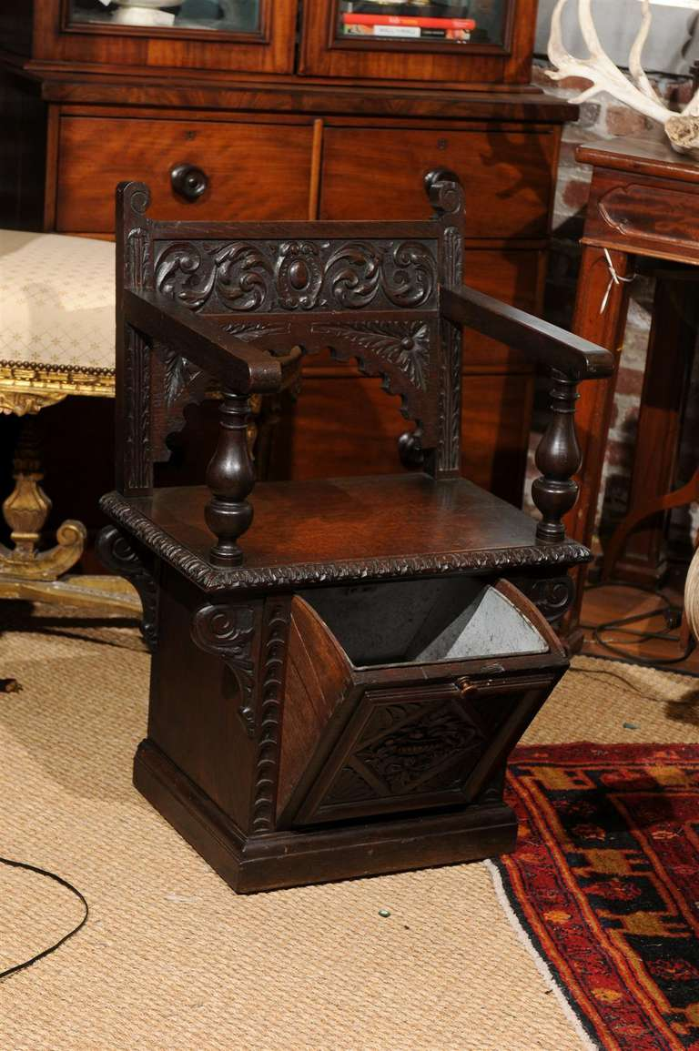 Italian Renaissance Revival Oak Cabinet Chair In Good Condition For Sale In Atlanta, GA