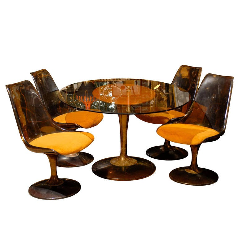 Mid Century Tulip Shaped Table And Four Chairs For Sale