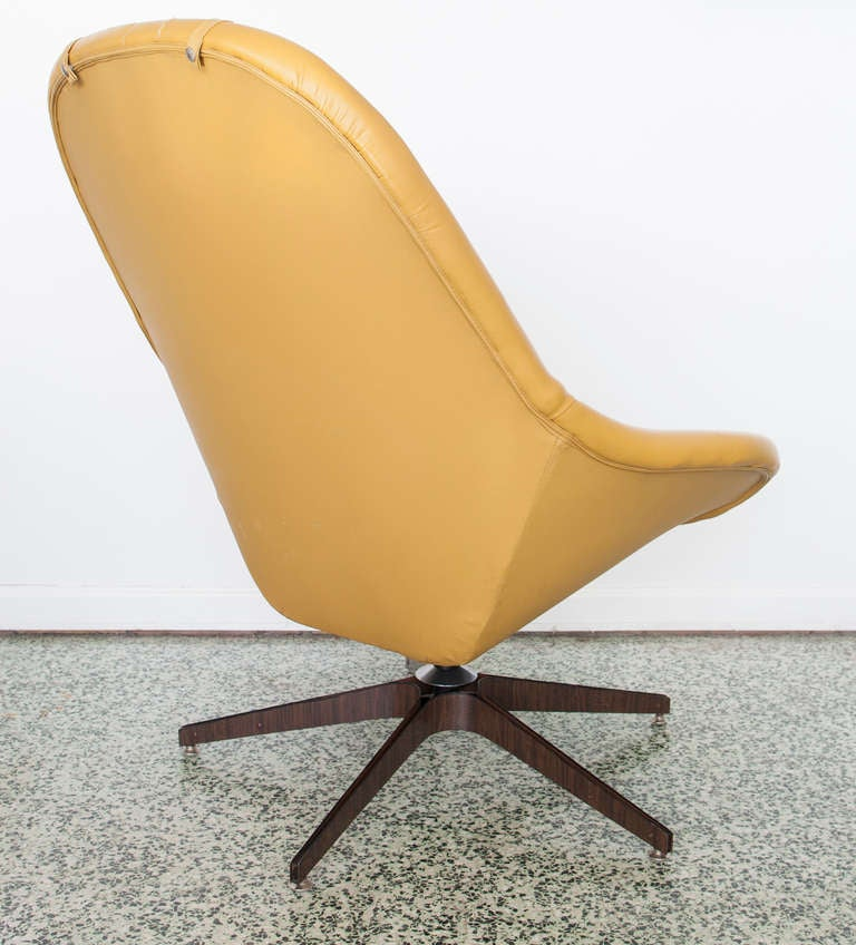 Swivel Lounge Chair Ottoman by George Mulhauser for Plycraft at 1stdibs