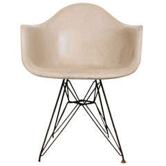 Herman Miller Eames Armchair Eiffel Base