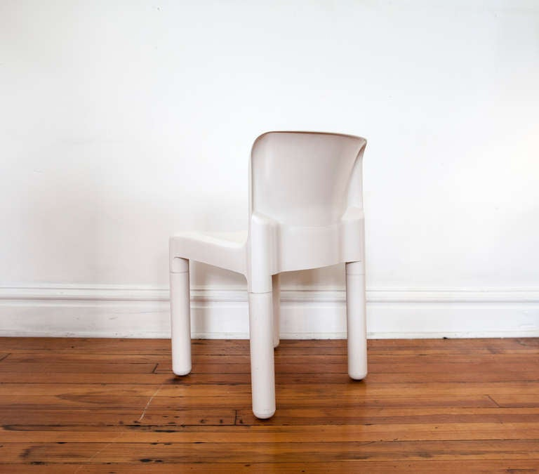 Four White Kartell Chairs At 1stdibs