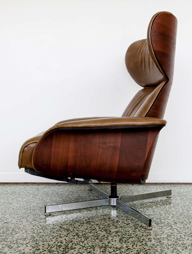 Gentil Danish Leather And Bentwood Reclining Lounge Chair By Plycraft. Built In  Footstool With Reclining Back