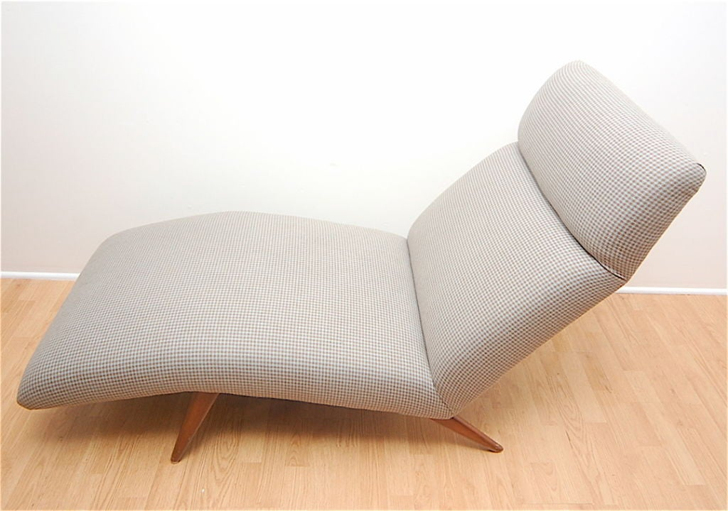 Mid-Century Chaise Lounge Chair Houndstooth Fabric 1