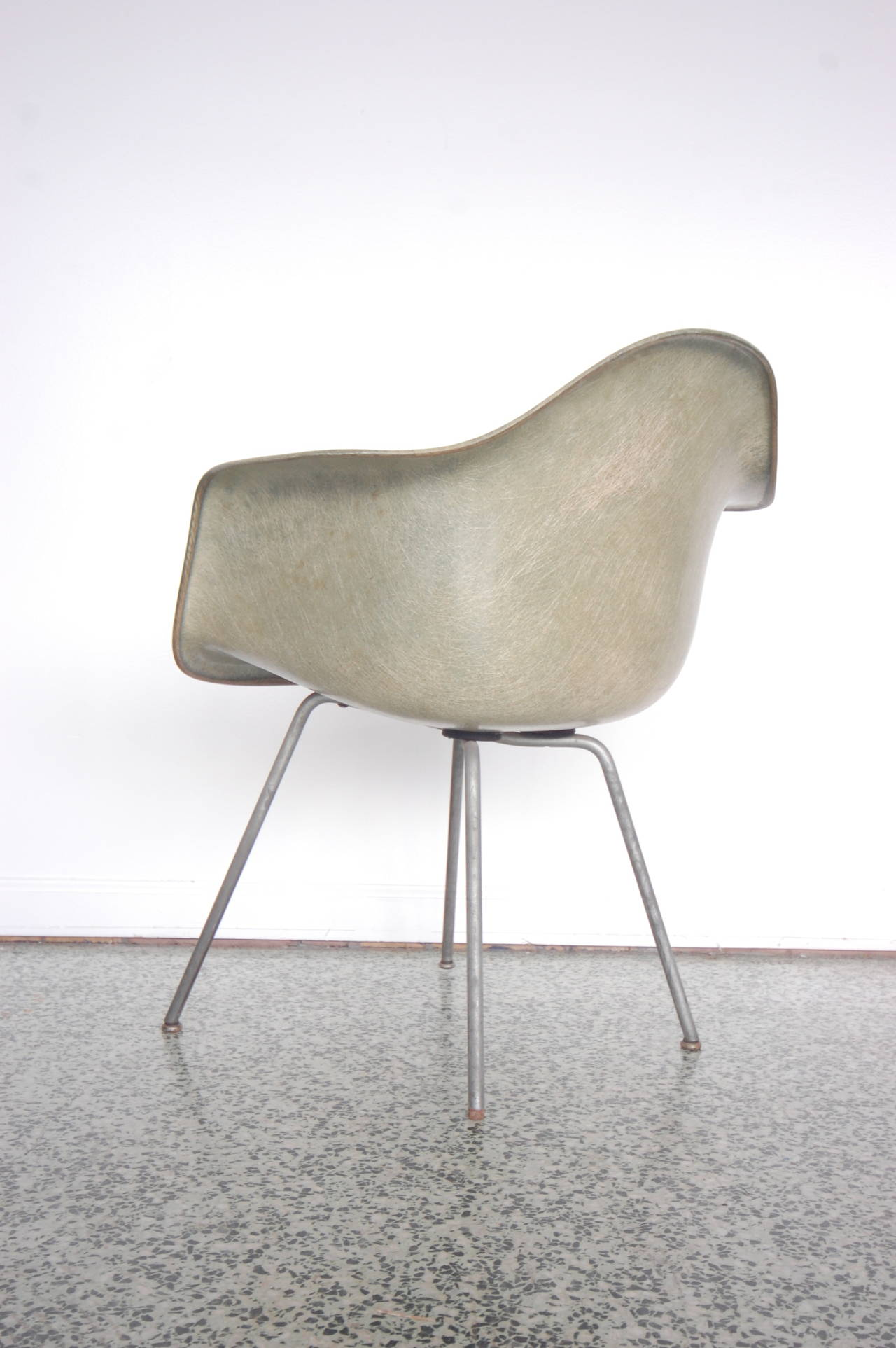 Eames SAX Armchair by Zenith Plastics for Herman Miller In Good Condition For Sale In St. Louis, MO