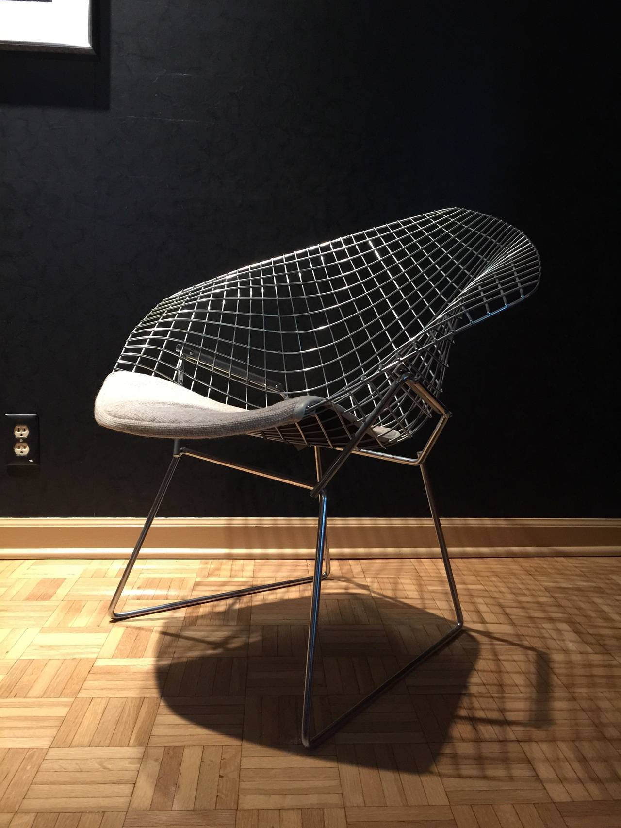 Beau Pair Of 1979 Vintage Chrome Diamond Chair By Harry Bertoia For Knoll In  Excellent Condition For