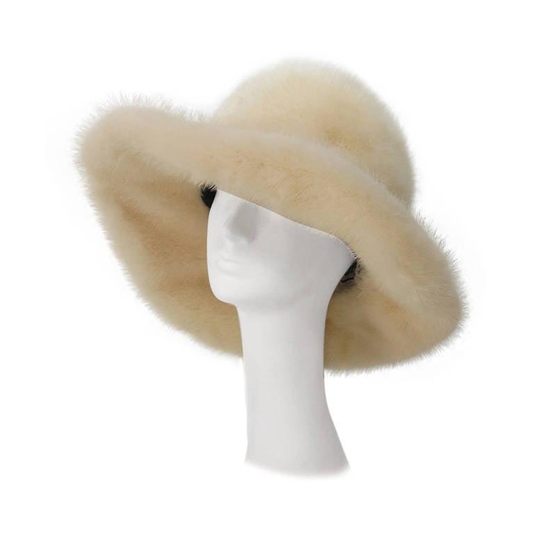 1970s Fabiani white mink fur wide brim hat For Sale