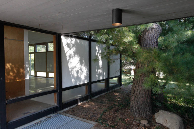 American Mid-Century Modern Eames-Style Box House by Architect Mitsu Otsuji, .9 Acres