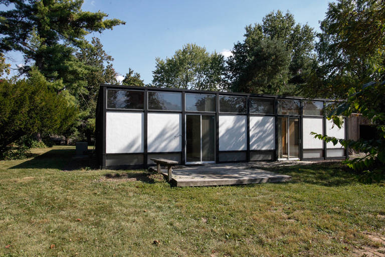 Beautiful and Amazing one-of-a-kind home in the Kirkwood area of Saint Louis, Missouri.  This is a wonderful example of Mid-Century modern architecture in a small living space set on .9 acre of a semi-private street.  The house was designed by Mits