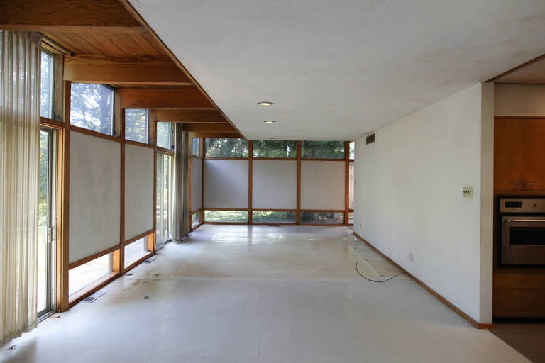 Mid-Century Modern Eames-Style Box House by Architect Mitsu Otsuji, .9 Acres In Fair Condition In St. Louis, MO