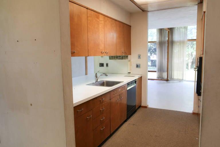 Mid-Century Modern Eames-Style Box House by Architect Mitsu Otsuji, .9 Acres 1