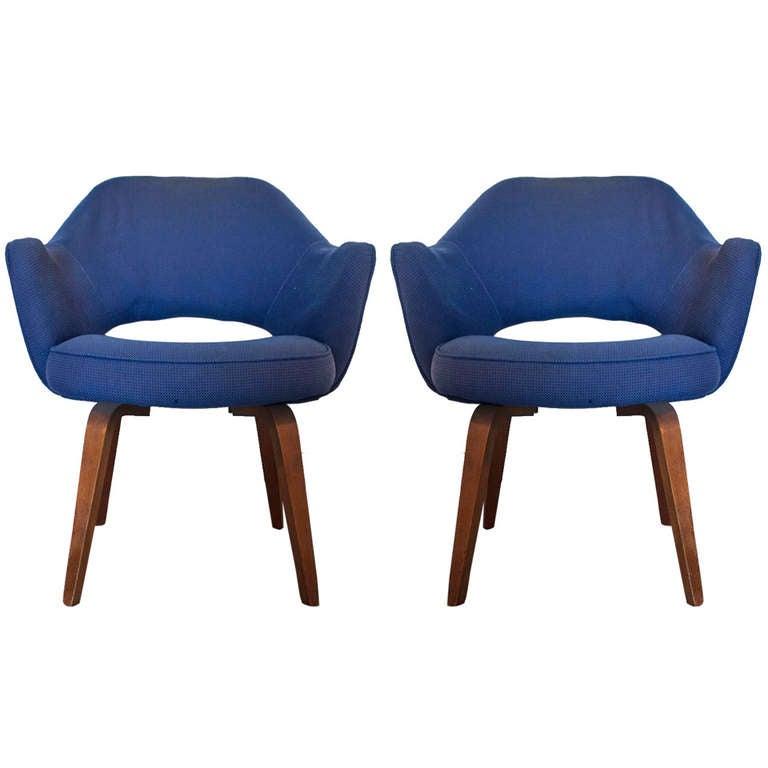 Pair 2 Vintage Saarinen Executive Knoll Lounge Chairs At