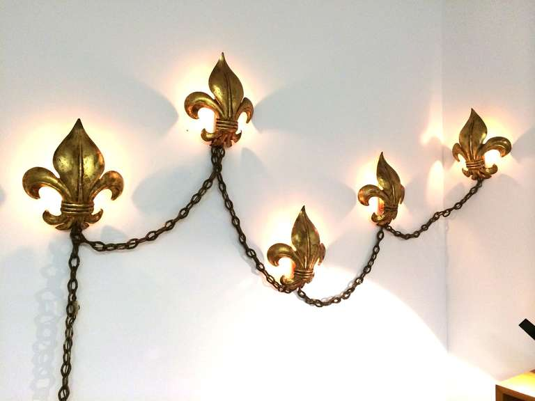 Hollywood Regency Gold Gilt Fleur De Lis Design Wall Light On Swag Chain