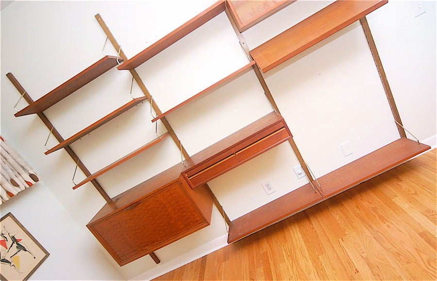 Teak Danish Modern Wall Shelf Unit Bookshelf by Poul Cadovius In Good Condition For Sale In St. Louis, MO