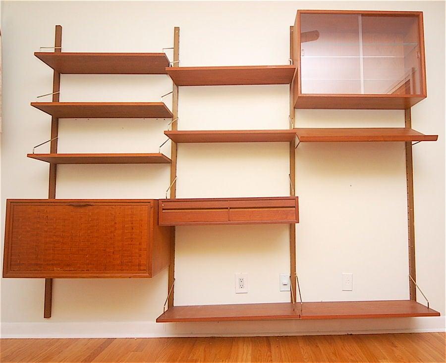 Teak Danish Modern Wall Shelf Unit Bookshelf by Poul Cadovius 5