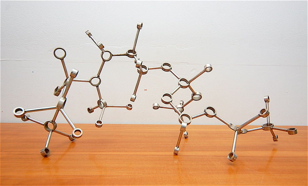 American Saunders Schultz Molecular Chain Metal Sculpture For Sale