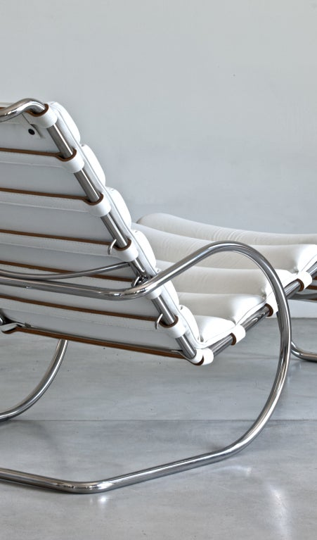 Mies Van Der Rohe Mr Chaise Lounge for Knoll For Sale at