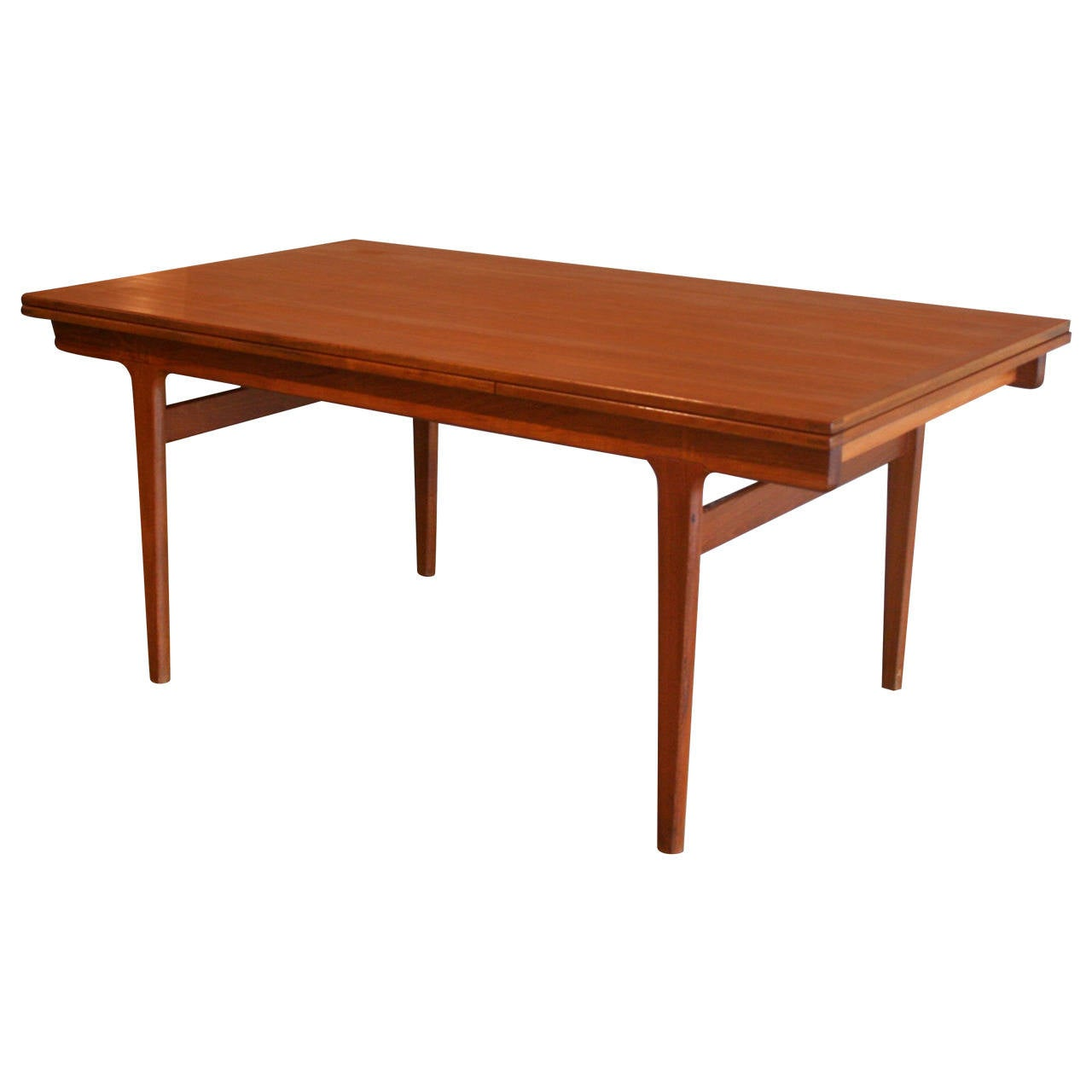 2306362 - Classic dining room tables ...