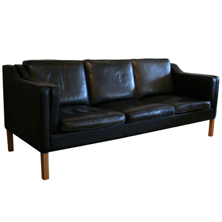 Merveilleux Vintage Black Leather Sofa At 1stdibs