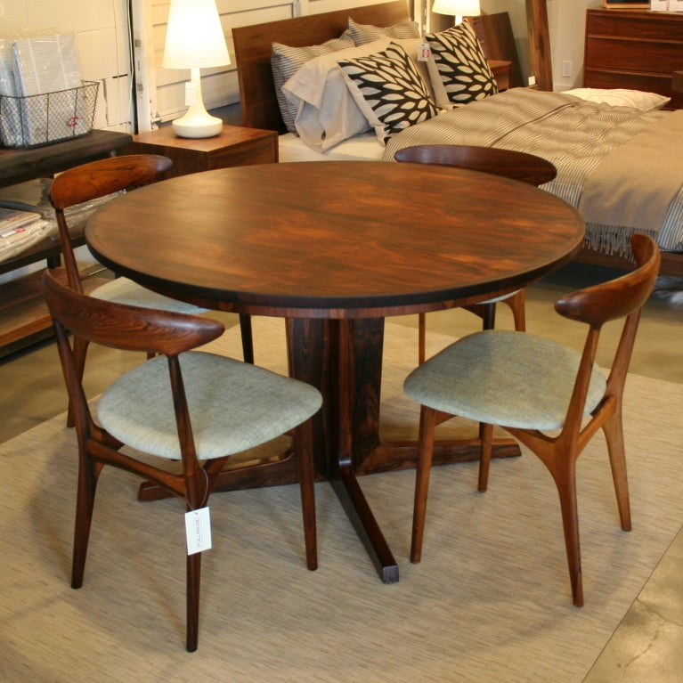 Vintage Danish Rosewood Dining Table at 1stdibs : 915313363472187 from www.1stdibs.com size 767 x 767 jpeg 106kB
