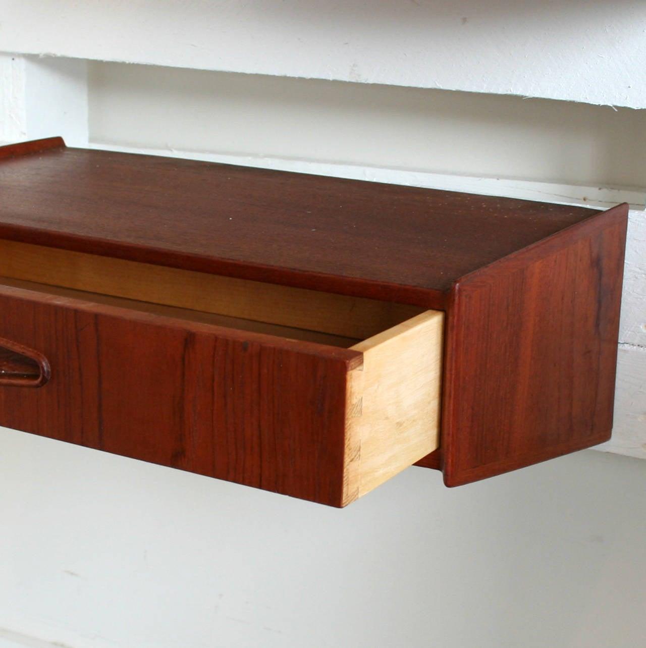 vintage danish teak wall mount tables at 1stdibs. Black Bedroom Furniture Sets. Home Design Ideas
