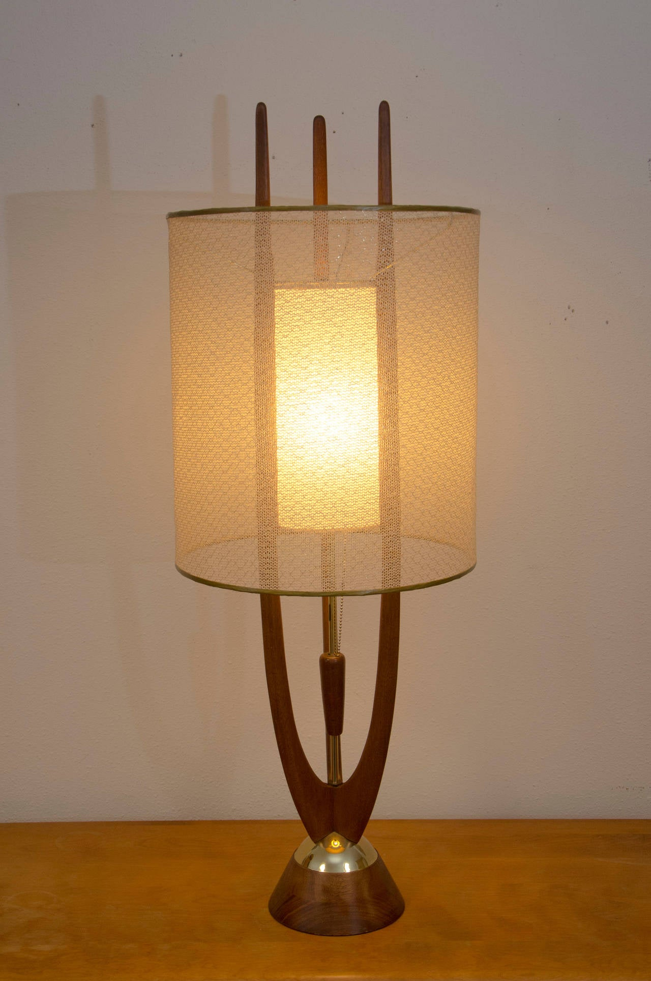 Mid century table lamp modeline at 1stdibs for F k a table lamp