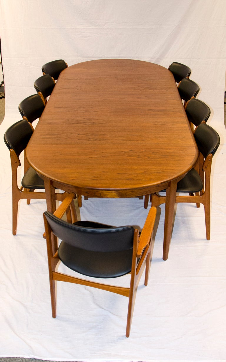 Round danish teak dining table large three leaves at 1stdibs for Large round dining table with leaf