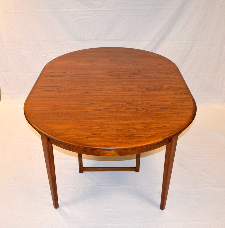 Round danish teak dining table large three leaves at 1stdibs for 3 leaf dining room tables