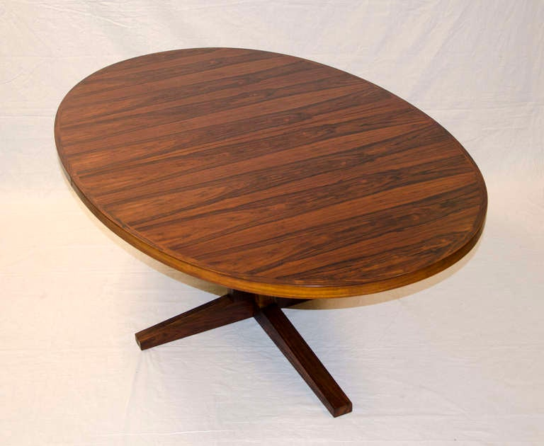 John Mortensen Rosewood Oval Dining Table Two Leaves at  : 305JohnMortensenRosewoodDiningTableC4l from www.1stdibs.com size 768 x 630 jpeg 40kB