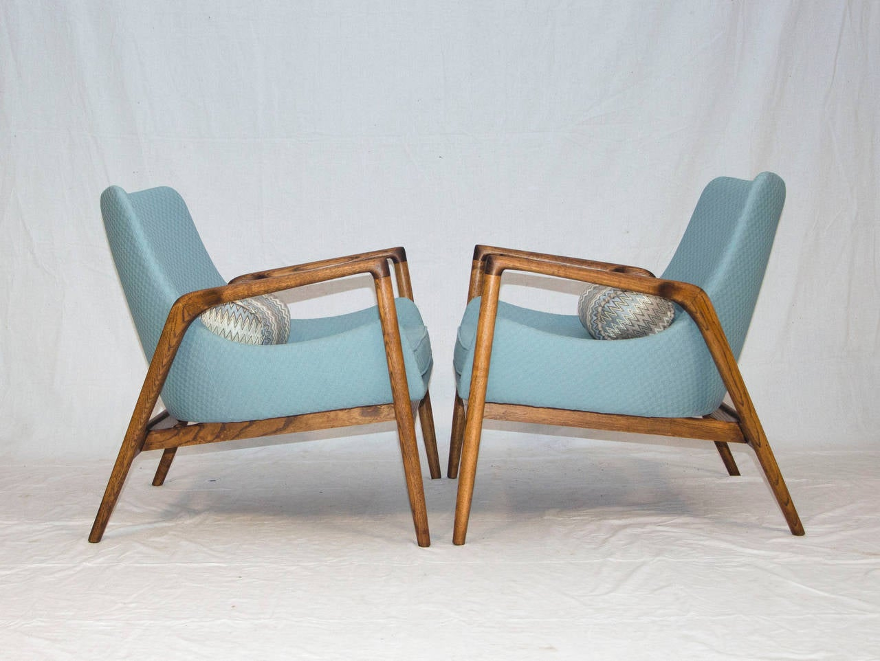 This sculptural pair of lounge chairs by ib kofod larsen is no longer - Mid Century Pair Of Danish Lounge Chairs Ib Kofod Larsen 2