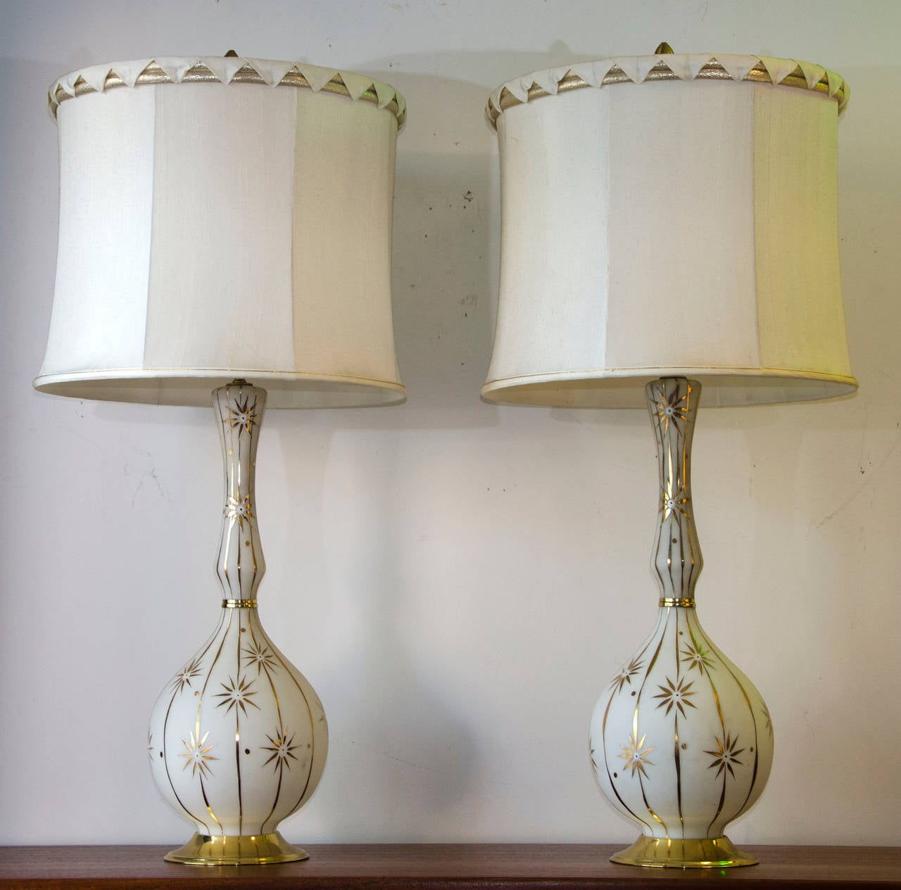 Superior Pair Of Mid Century Lamps In Glass Hollywood Regency At 1stdibs