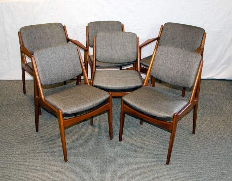 this danish teak swivel back dining chairs set of 6 arne vodder is no