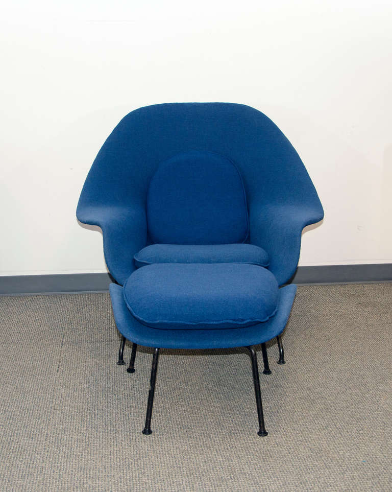 vintage womb chair and ottoman eero saarinen for knoll at 1stdibs
