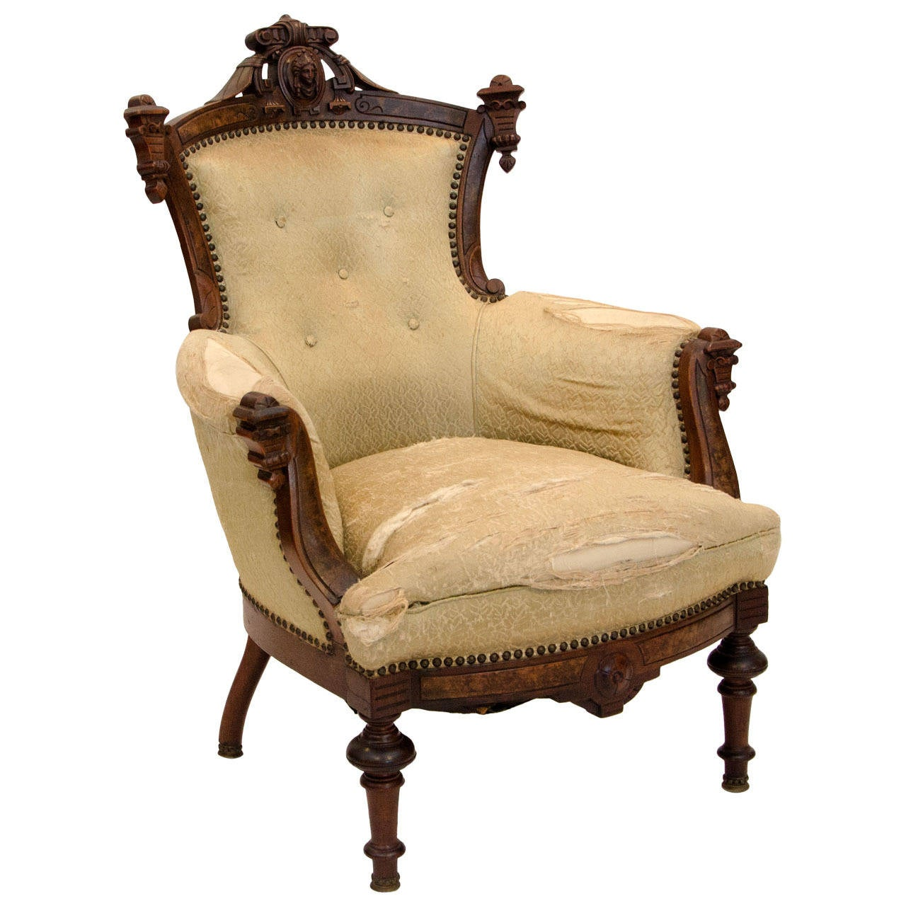 Incroyable American Walnut Victorian Parlor Chair For Sale
